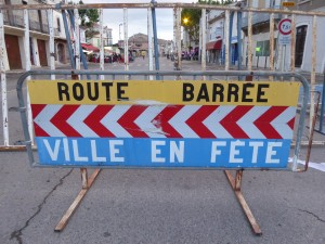Saint-Gilles, Fête de la Musique. The barriers went up plenty of time before the festival started.
